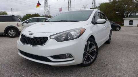 2014 Kia Forte for sale at Das Autohaus Quality Used Cars in Clearwater FL