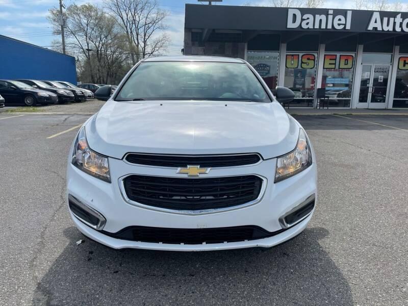 2015 Chevrolet Cruze for sale at Daniel Auto Sales inc in Clinton Township MI