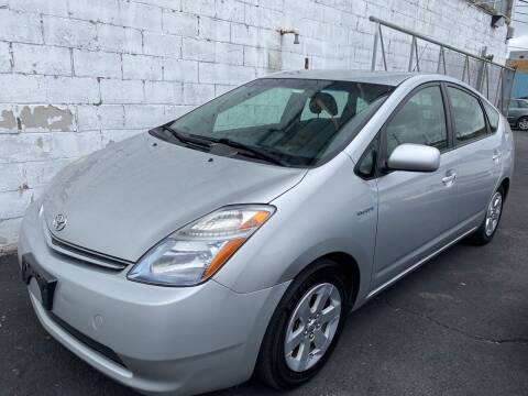 2008 Toyota Prius for sale at Square Business Automotive in Milwaukee WI