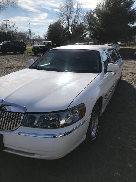 1998 Lincoln Town Car for sale at PREOWNED CAR STORE in Bunker Hill WV