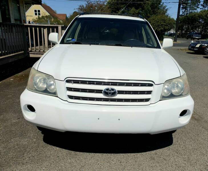 2003 Toyota Highlander for sale at Life Auto Sales in Tacoma WA