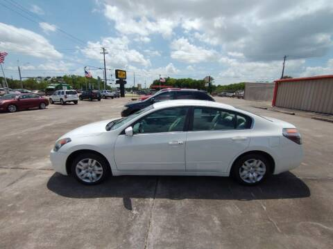 2009 Nissan Altima for sale at BIG 7 USED CARS INC in League City TX