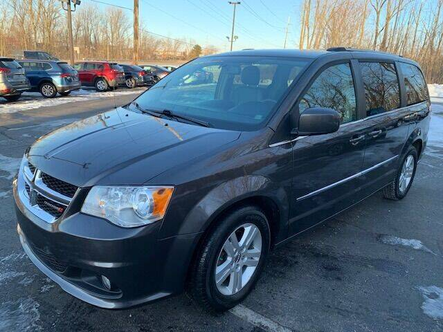 2017 Dodge Grand Caravan for sale at Lighthouse Auto Sales in Holland MI