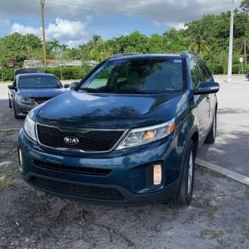 2015 Kia Sorento for sale at FLORIDA CAR TRADE LLC in Davie FL