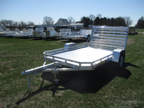 2022 Aluma Aluminum Single Axle Utility 7 for sale at Rondo Truck & Trailer in Sycamore IL