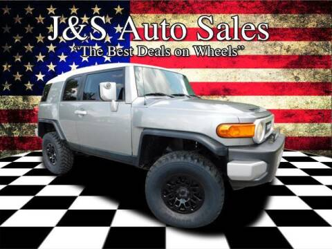 2010 Toyota FJ Cruiser for sale at J & S Auto Sales in Clarksville TN
