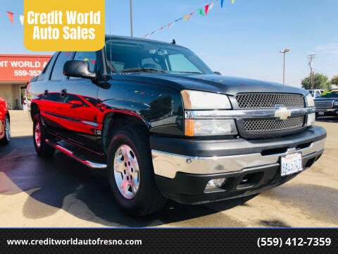 2006 Chevrolet Avalanche for sale at Credit World Auto Sales in Fresno CA