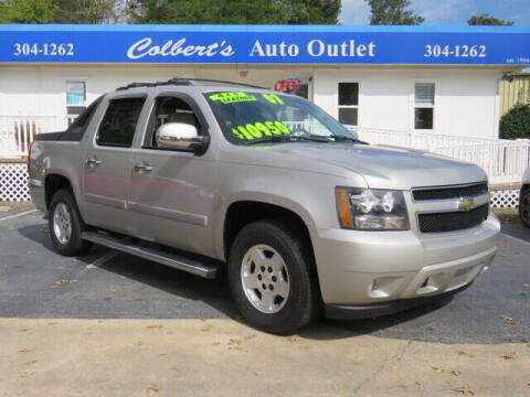 2007 Chevrolet Avalanche for sale at Colbert's Auto Outlet in Hickory NC