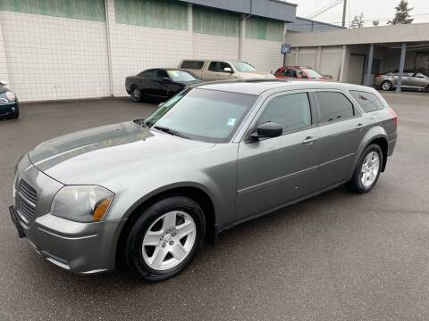 2005 Dodge Magnum for sale at Vista Auto Sales in Lakewood WA