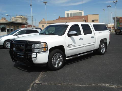 2009 Chevrolet Silverado 1500 for sale at Shelton Motor Company in Hutchinson KS