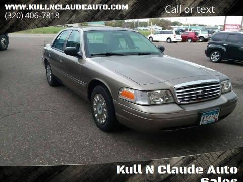 2005 Ford Crown Victoria for sale at Kull N Claude Auto Sales in Saint Cloud MN