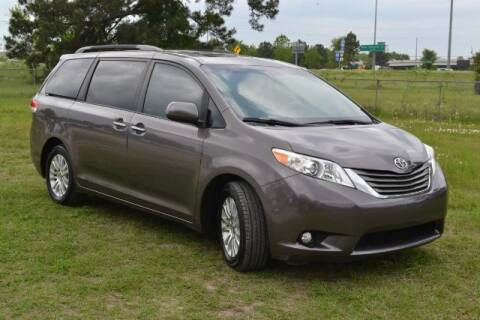 2011 Toyota Sienna for sale at WOODLAKE MOTORS in Conroe TX