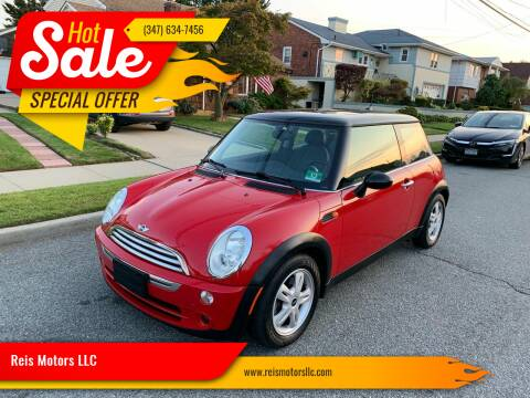 2006 MINI Cooper for sale at Reis Motors LLC in Lawrence NY
