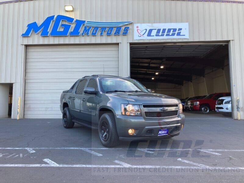 2011 Chevrolet Avalanche for sale at MGI Motors in Sacramento CA