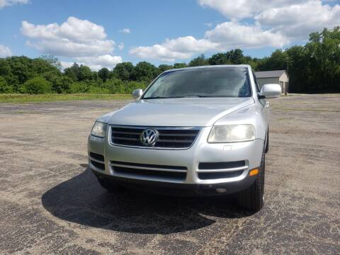 2006 Volkswagen Touareg for sale at Caruzin Motors in Flint MI