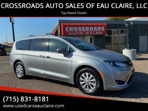 2018 Chrysler Pacifica for sale at CROSSROADS AUTO SALES OF EAU CLAIRE, LLC in Eau Claire WI