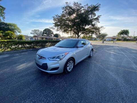 2016 Hyundai Veloster for sale at Lamberti Auto Collection in Plantation FL