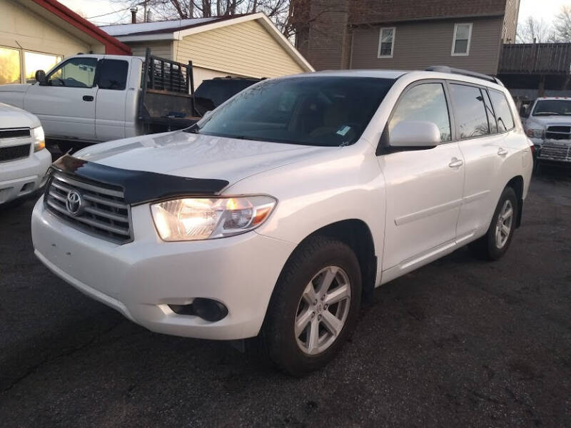 2010 Toyota Highlander for sale at Gil's Auto Sales in Omaha NE