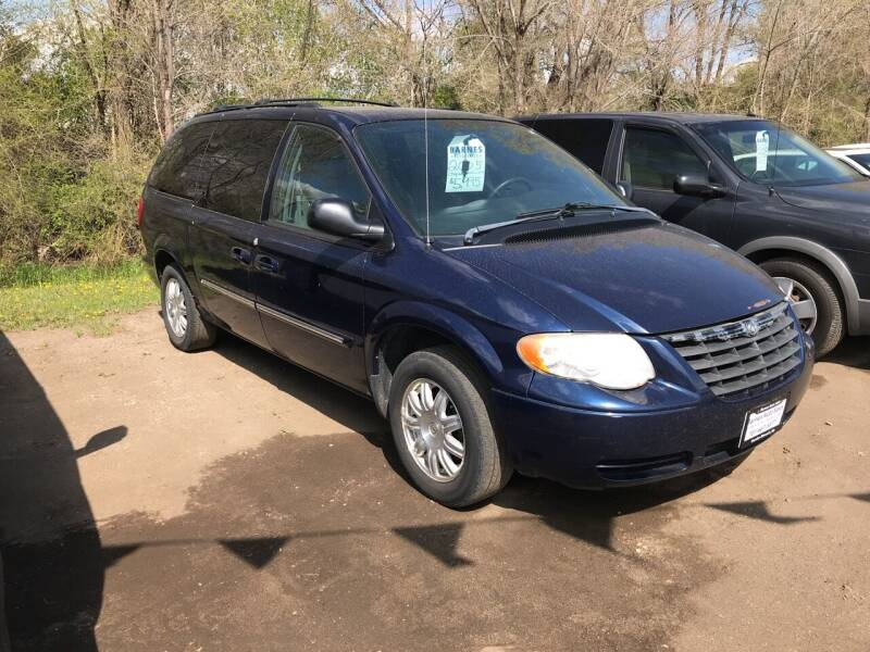 2005 Chrysler Town and Country for sale at BARNES AUTO SALES in Mandan ND