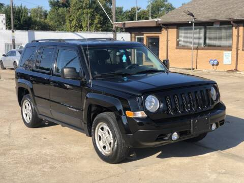 1900 Jeep Patriot for sale at Safeen Motors in Garland TX