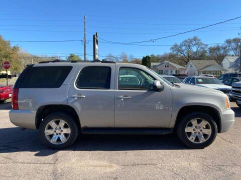 2007 GMC Yukon for sale at RIVERSIDE AUTO SALES in Sioux City IA