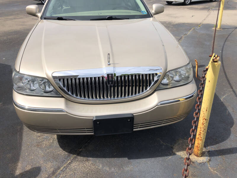 2011 Lincoln Town Car for sale at Berwyn S Detweiler Sales & Service in Uniontown PA