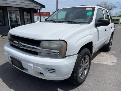 2008 Chevrolet TrailBlazer for sale at Diana Rico LLC in Dalton GA