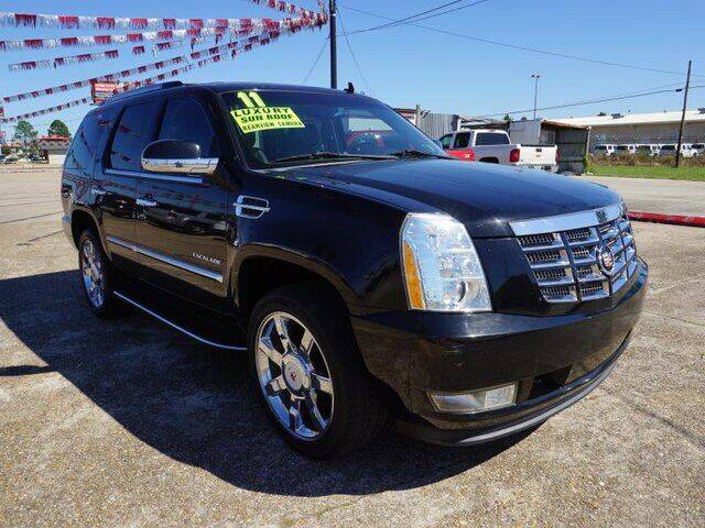 2011 Cadillac Escalade for sale at BLUE RIBBON MOTORS in Baton Rouge LA