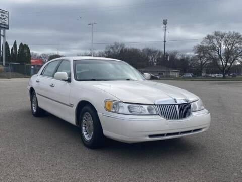 1999 Lincoln Town Car for sale at Betten Baker Preowned Center in Twin Lake MI