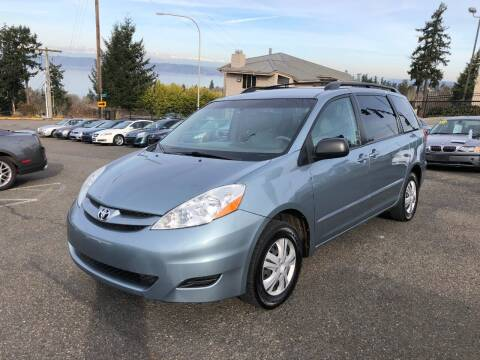 2006 Toyota Sienna for sale at KARMA AUTO SALES in Federal Way WA