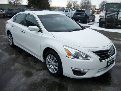 2015 Nissan Altima for sale at USED CAR FACTORY in Janesville WI