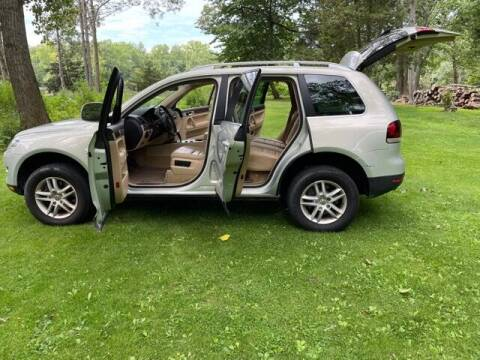 2008 Volkswagen Touareg 2 for sale at GDT AUTOMOTIVE LLC in Hopewell NY