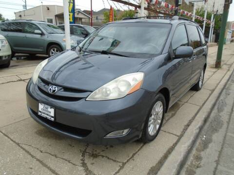 2007 Toyota Sienna for sale at CAR CENTER INC in Chicago IL