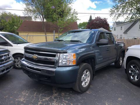 2010 Chevrolet Silverado 1500 for sale at Holiday Auto Sales in Grand Rapids MI