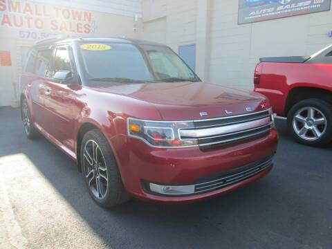 2013 Ford Flex for sale at Small Town Auto Sales in Hazleton PA