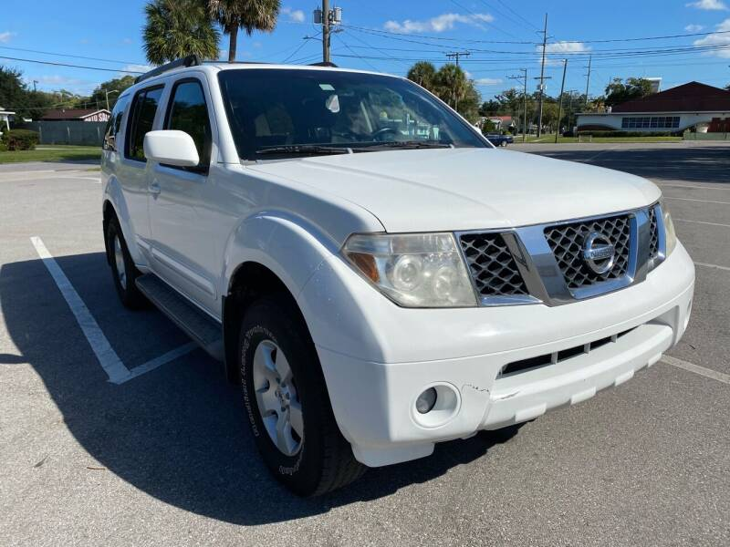 2006 Nissan Pathfinder for sale at LUXURY AUTO MALL in Tampa FL