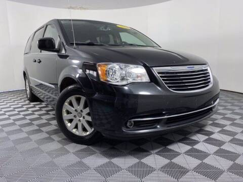 2015 Chrysler Town and Country for sale at GotJobNeedCar.com in Alliance OH