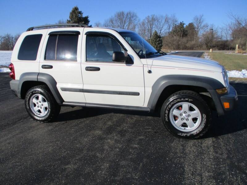2006 Jeep Liberty for sale at Crossroads Used Cars Inc. in Tremont IL