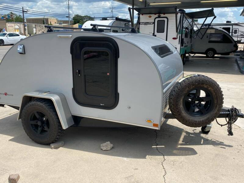 2017 Little Guy SILVER SHADOW 6 WIDE for sale at ROGERS RV in Burnet TX