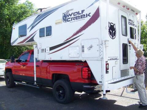 2016 NORTHWOOD WOLF CREEK TRUCK CAMPER for sale at Collector Car Co in Zanesville OH