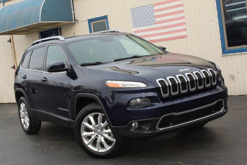 2016 Jeep Cherokee for sale at Dynamics Auto Sale in Highland IN