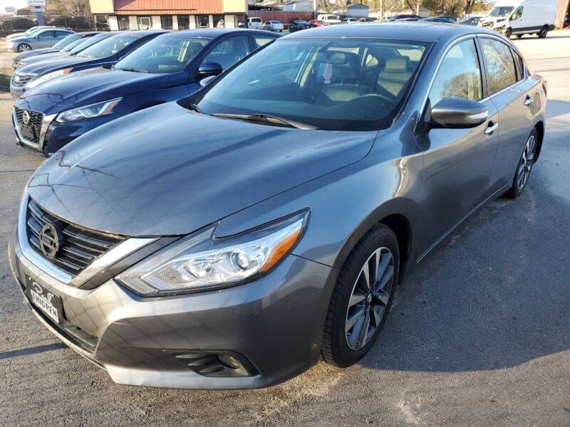 2017 Nissan Altima for sale at THE TRAIN AUTO SALES & LEASING in Mauldin SC