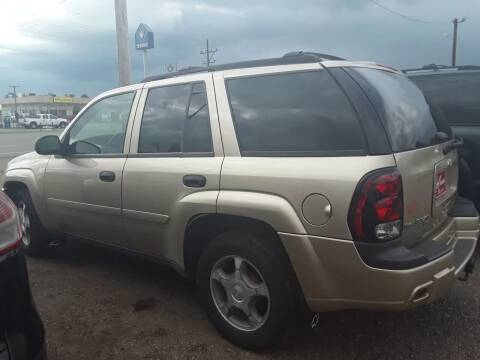 2006 Chevrolet TrailBlazer for sale at BARNES AUTO SALES in Mandan ND