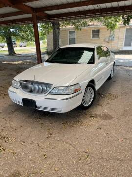 2005 Lincoln Town Car for sale at Holders Auto Sales in Waco TX