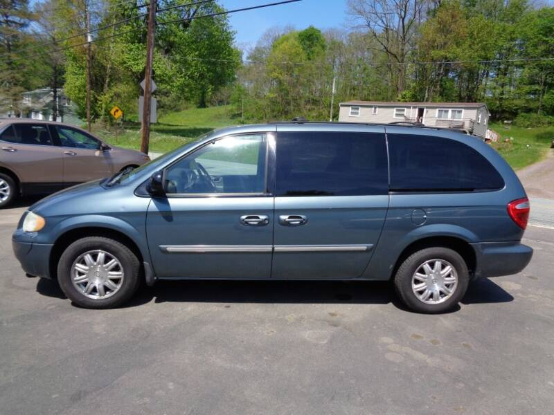 2005 Chrysler Town and Country for sale at On The Road Again Auto Sales in Lake Ariel PA