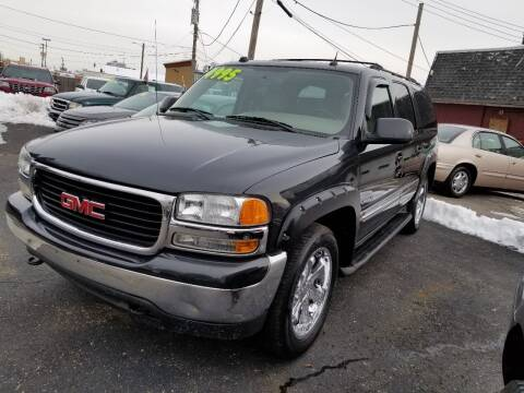 2004 GMC Yukon XL for sale at DALE'S AUTO INC in Mount Clemens MI