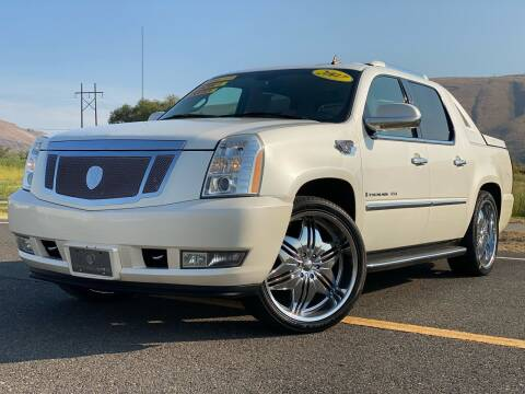 2007 Cadillac Escalade EXT for sale at Premier Auto Group in Union Gap WA
