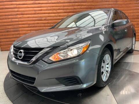 2018 Nissan Altima for sale at Dixie Imports in Fairfield OH