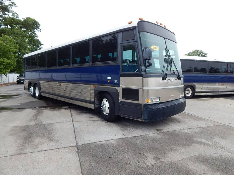 2006 Motor Coach Industries D4000 for sale at Vail Automotive in Norfolk VA