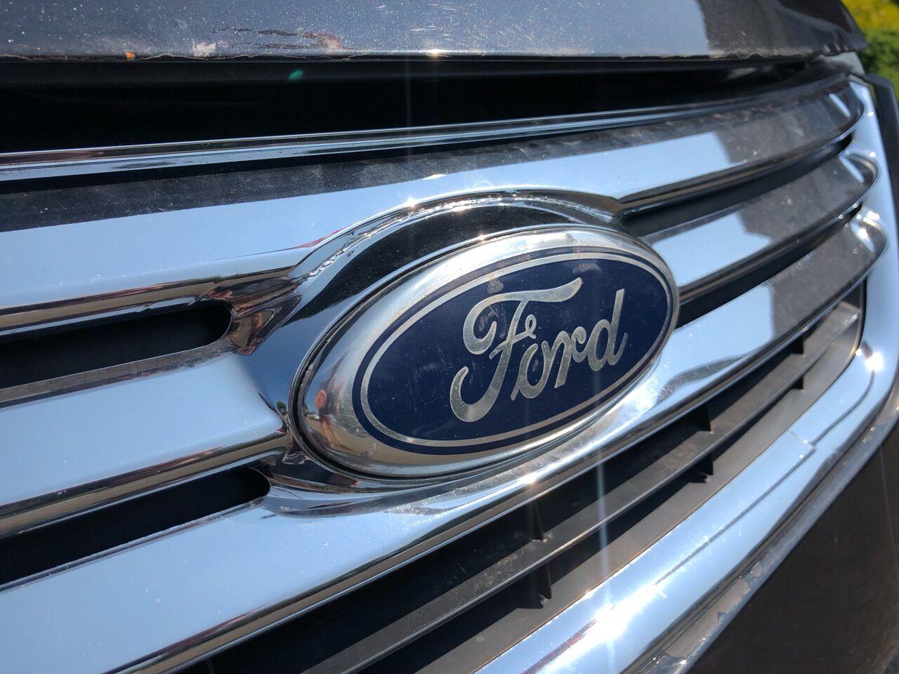 2012 Ford Fiesta 4dr Car